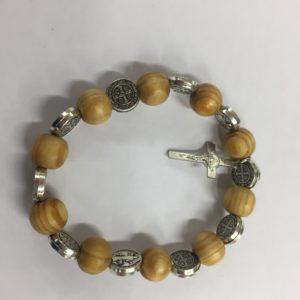 braccialetto elastico in ulivo con medaglie san benedetto