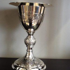 Calice con spiga e uva ,artigianato spagnolo realizzato a mano coppa argento cm.23 h. Cm.10 diametro Con patena dorata