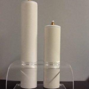 Candeliere in plexiglas a due posti completo di finte candele a cera liquida misura in scala  cm.25 e 18 h.