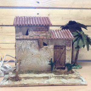 Casa in resina con luci cm.27.5x14.5x22.5 h