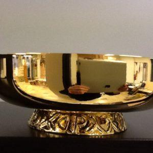 Ciotola offerto risale realizzato in ottone dorato con piede h.cm.5.5 diametro cm.16