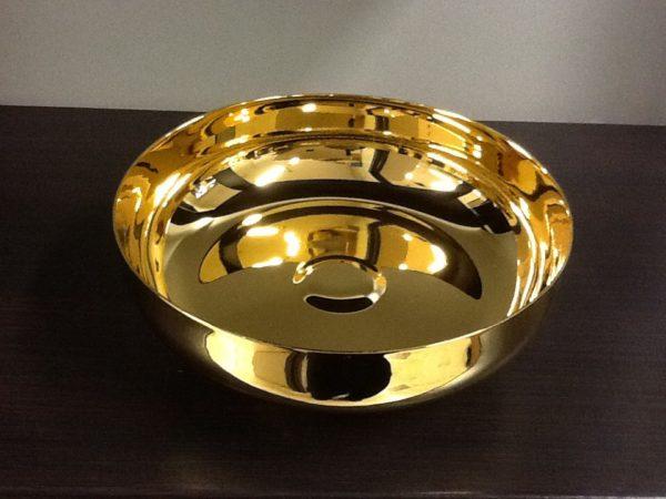 Ciotola,ciborio realizzato in ottone dorato con piede h.cm.5 diametro cm.14