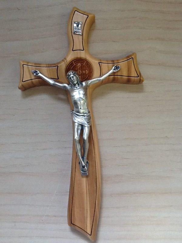 Croce in Ulivo con corpo di Cristo in metallo cm.11x20.5h.