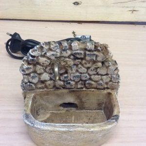 Fontana con acqua corrente in resina elettrica cm.10x10x9