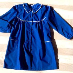 Grembiule femmina in misto cotone di colore blu ,ottima manifattura italiana, taglia 65, prima elementare
