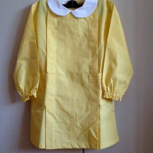 Grembiule per asilo di colore giallo,misto cotone di ottima fattura italiana Quarta taglia,65