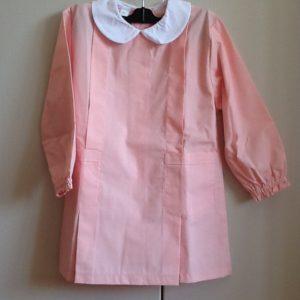 Grembiule per asilo di colore rosa ,misto cotone di ottima fattura italiana prima tag.50