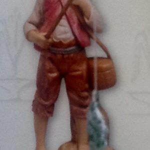 """Pastore """"pescatore""""realizzato in resina colorata e rifinita a mano per presepe da cm 12"""