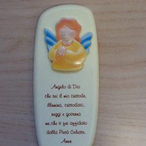 """Quadro """"Angelo di Dio""""in resina panna con preghiera e Angelo applicato cm.6,5x15h."""