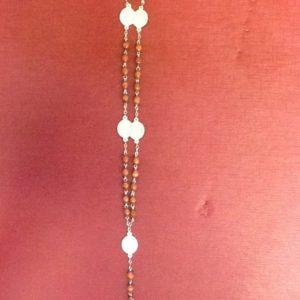 """Rosario """"Madonna Addolorata""""in resina marrone con medagliette cm.32"""