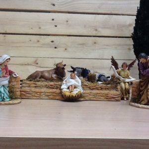 Sacra famiglia con animali e gloria in movimento. In resina rifiniti a mano cm.12