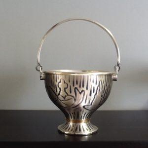 Secchiello in metallo argentato decorato h.cm10.5 diametro cm.13