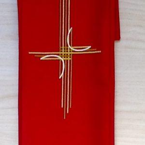 """Stola di colore avorio con ricamo """"croce"""" moderna.poliestere"""