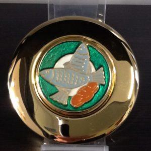 """Teca in ottone dorato con decorazione """"pane pesce"""" smaltato diametro cm.8"""